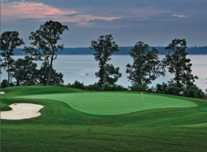 The stunning, 393-yard, par-4 finisher at The Shoals' Schoolmaster course forces you to flirt with Wilson Lake.